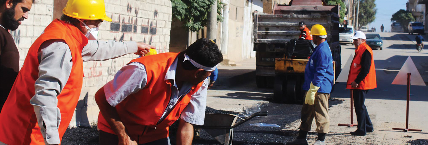 Saraqib Local Council repairs city roads.
