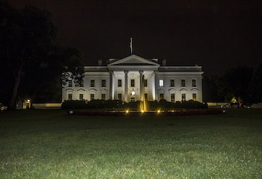 The White house in Washington at night