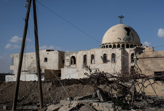 RAQQA, SYRIA - OCTOBER 30: A destroyed mosque is seen in the western neighborhood of Jazrah on the outskirts of Raqqa on October 30, 2017 in Raqqa, Syria. Following three and a half months of fighting Raqqa was liberated from the control of ISIL on October 19. Since then the city and surrounding neighborhood's have become a ghost town after being sealed off to civilians due to masses of landmines throughout the city.  (Photo by Chris McGrath/Getty Images)