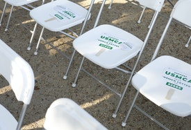 WASHINGTON, DC - SEPTEMBER 12: Paper signs of support are placed on audience members' chairs before a rally for the passage of the USMCA trade agreement, on September 12, 2019 in Washington, DC. Several agricultural groups including the American Farm Bureau Federation, the American Soybean Association and the National Corn Growers Association held the rally to urge Congress to ratify the trade deal. (Photo by Tom Brenner/Getty Images).
