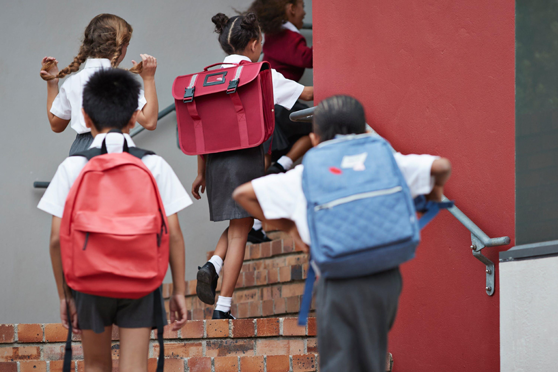 BAG NO2 Stay In Schools