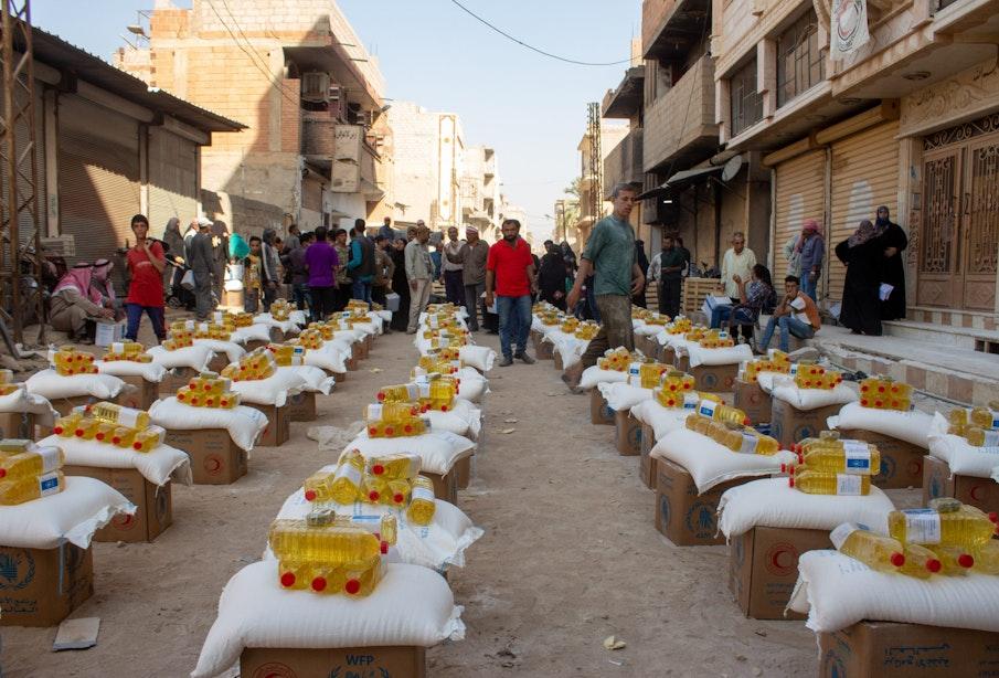 Syria, Al Mayadeen, Deir Ezzor (Deir Ez-Zor) governorate, 11 October 2020  In the Photo: WFP food distribution in Al Mayadeen city (Deir Ezzor governorate).  Photo: WFP/Taha Hussain